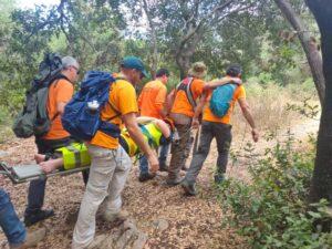 """מתנדבי יחידת החילוץ """"גליל-כרמל"""" של משטרת ישראל סיימה לפני זמן קצר (רביעי) חילוץ בנחל נשר שבשמורת הכרמל"""